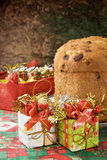 Panettone - bolo italiano do xmas fotos de stock royalty free