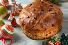 Panettone - bolo italiano tradicional do Natal - receita milanesa do artesão foto de stock