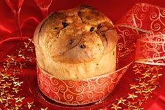 Panettone de Italiaanse cake van Kerstmis Stock Afbeeldingen