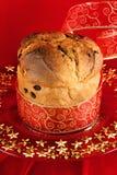 Panettone le gâteau italien de Noël Photographie stock libre de droits