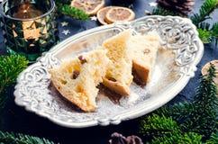 Panettone traditionele Italiaanse cake voor Kerstmis stock foto's