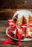 Panettone traditionnel de gâteau de Noël photos libres de droits