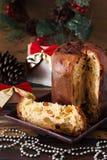 Panettone - zoet traditioneel voor Kerstmis en Nieuw broodbrood Stock Foto's