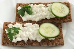 Panez les chips avec le fromage blanc Image stock