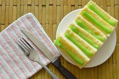 Panez préparer la sauce à crème anglaise de beurre et de pandanus du plat Photo stock