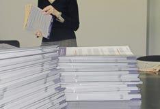 Panfletos do comunicado imagens de stock