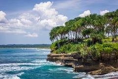 Pangandaran Java ad ovest della spiaggia di Batu Karas immagini stock libere da diritti