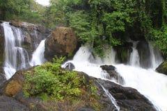 PangAung nordliga Thailand Lakeview royaltyfri foto