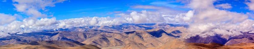 Pangla passerande på Tibet Arkivbilder
