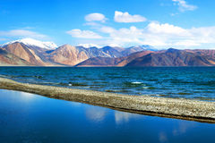 Pangong湖在拉达克,查谟和克什米尔状态,印度 免版税库存照片