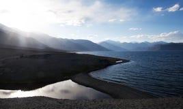 Pangong湖在Ladakh,北部印度 库存图片