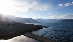 Pangong湖在Ladakh,北部印度 库存照片