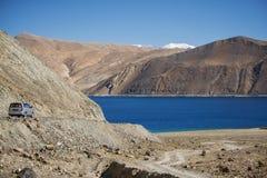Pangong sjö Ladakh, Indien Arkivfoto