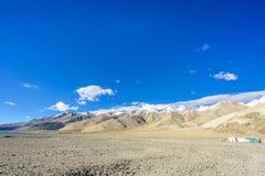 Pangong sjösikt på moringen, Ladakh, Indien Vektor Illustrationer