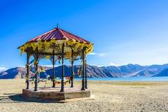 Pangong sjösikt på moringen, Ladakh, Indien Royaltyfria Foton