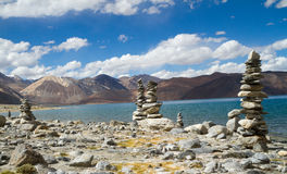 Pangong Tso mountain lake panorama with Buddhist stupas Stock Photography