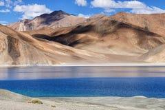Pangong tso (sjön), Leh, Ladakh, Jammu and Kashmir, Indien Arkivfoto