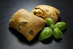 Pani di ciabatta con le olive Immagine Stock