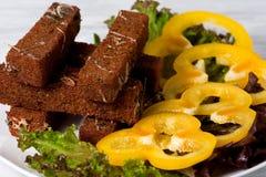 Pani tostati fritti con formaggio, aglio e le spezie Fotografia Stock Libera da Diritti