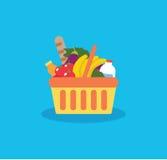 Panier à provisions avec la nourriture fraîche et la boisson Achetez l'épicerie dans la petite gorgée Photos libres de droits
