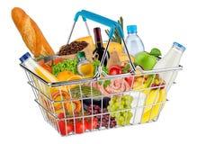 Panier à provisions d'isolement rempli de nourriture photos libres de droits