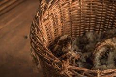 Panier abandonné de laine Photographie stock