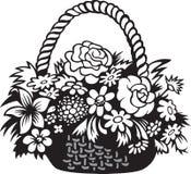 Panier avec des fleurs Image libre de droits