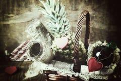 Panier avec la forme de coeur d'amour de vin Image libre de droits