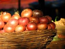 Panier d'oignon Photo stock