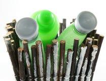 Panier de bâton avec des produits de beauté Images stock