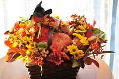Panier de fleur de Halloween Photo stock