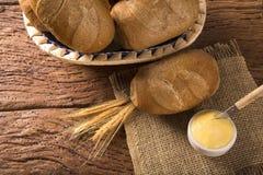 Panier de ` intégral de pain français de `, pain brésilien traditionnel Photographie stock