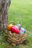 Panier de Pâques avec des oeufs Images libres de droits