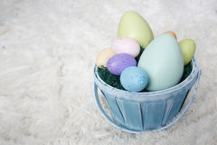 Panier de Pâques avec des oeufs Photo libre de droits