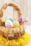 Panier de pain de Pâques Images stock