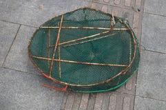 Panier de poissons images stock