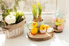 Panier de textile de Pâques image stock