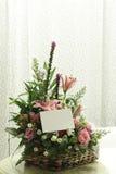 Panier des fleurs Photo libre de droits