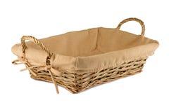 Panier en bois vide de pain sur le fond blanc Images stock