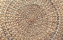 Panier en osier de tige tubulaire Fond de panier en osier photo stock
