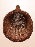 Panier en osier vide de klaxon photographie stock