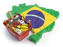 Panier ou indice des prix à la consommation du marché au Brésil Propriétaires faisant des emplettes au supermarché Photographie stock libre de droits