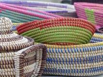 Paniers africains à vendre dans le sel, Cap Vert Images stock
