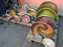 Paniers africains traditionnels colorés Image libre de droits