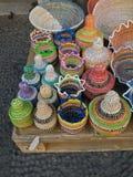 Paniers africains traditionnels colorés Image stock