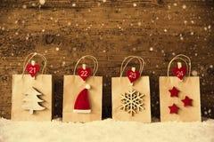 Paniers avec la décoration de Noël, filtre d'Instagram, flocons de neige Photo libre de droits