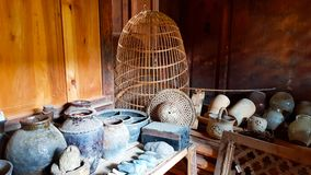 Paniers, conteneurs, cruches, vases photos stock