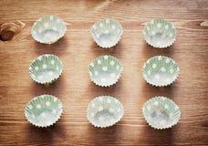 Paniers de papier pointillés pour la cuisson Photos libres de droits