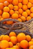 Paniers des oranges. Photographie stock libre de droits