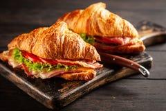 Panini classici del croissant di BLT fotografia stock